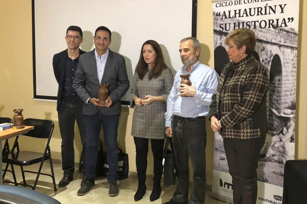 """Presentado el libro """"Caminando por la Historia de la Provincia"""""""