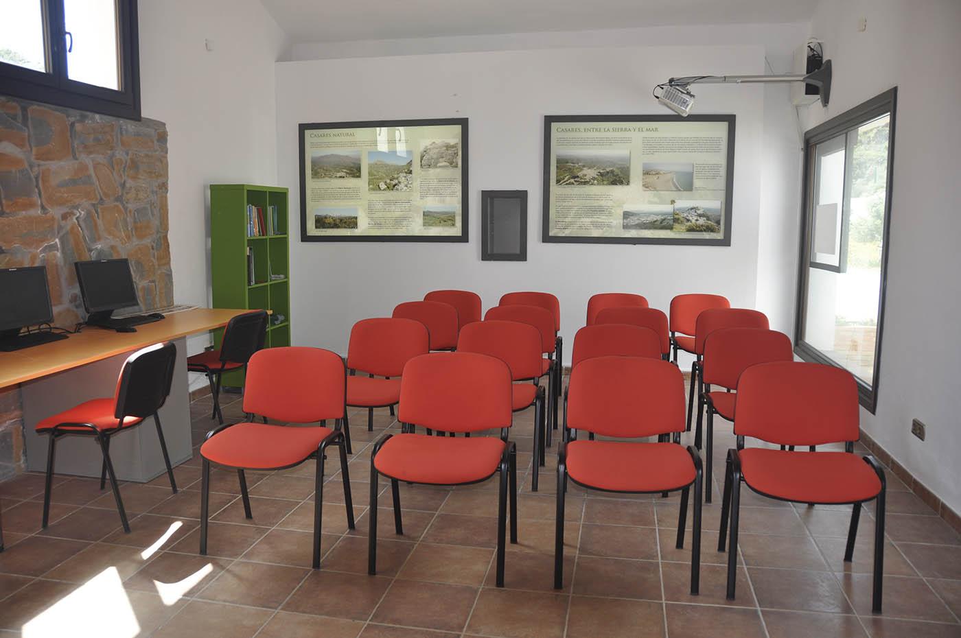 Centro de recepción de visitantes de Casares